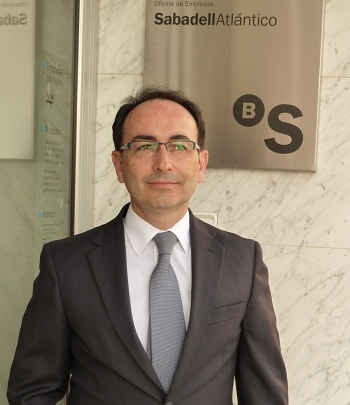 Entrevista del mes abril 2011 for Oficinas sabadell malaga